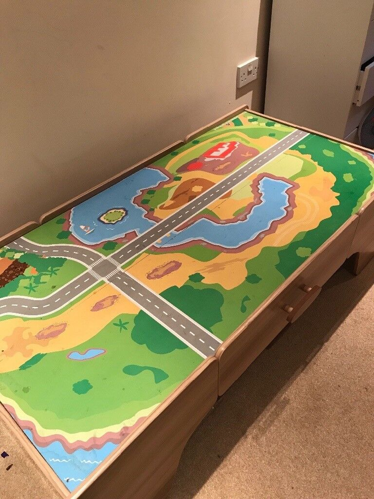 Kids toy car/train track table