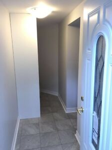 Beautiful apartment for rent in Hunt Club Park!