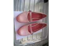Clarks pink shoes size 6, slight heel. Good condition