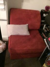 Pull out bed settee/ sofa bed