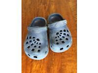 Crocs style, size 9