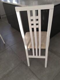 6 White Chairs - Quartz Table