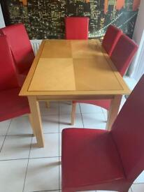 Kitchen table, 6 chairs and matching side table