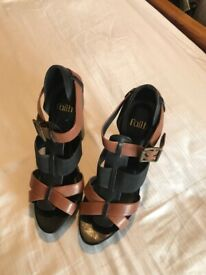 Gorgeous black & tan leather high heeled sandals / shoes with wooden heels from Faith. UK size 7