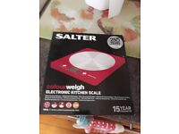 Brand new, never been used Kitchen scales