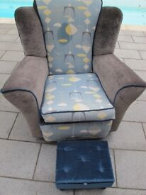Re upholstered Wing Back arn Chair