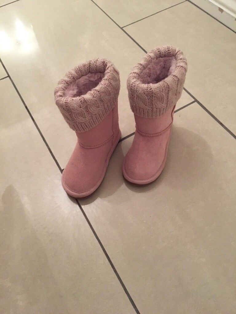 Girls size 5 insulated boots