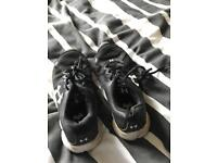 Under armour trainers size 5 1/2