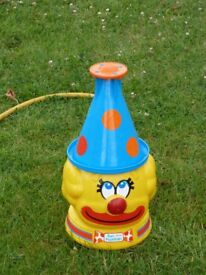 RARE French Joustra Ceji Wham-o FUN FOUNTAIN Clown Hat Sprinkler Water Toy 1979