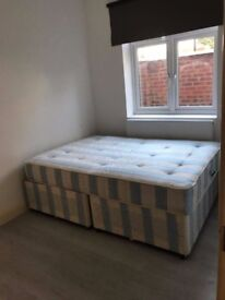 FURNISHED GROUND FLOOR 2 BEDROOM FLAT IN CHISWICK W4 , DSS WELCOME .