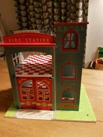 Le toy van wooden fire station