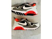Nike Air Max Trainers ladies Size 5 Stunning condition