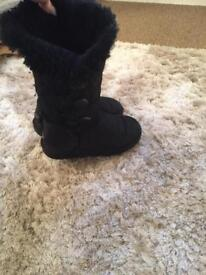 Ugg boots genuine size 4