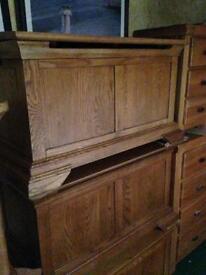 Oak blanket box £199