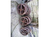 Shepherds hut cast iron wheels