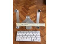 Wireless keyboard and tablet stand