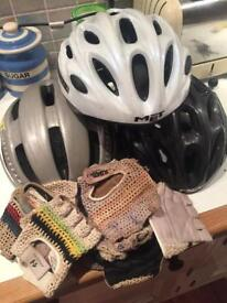 3 Met Cycle Helmets and selection of retro gloves.