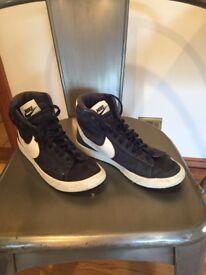Nike hi top trainers size 5