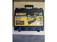 Dewalt DCN660P2 Dewalt 18v Li-ion Brushless 2nd Fix Finish Nailer