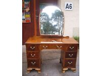 vintage dresser with shaped mirror. c.1950, chest of drawers, rat dressing table, double pedestal.