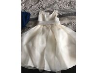 Brand new flower girl dress size 4-5 years. Tags still attached.