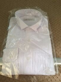 """MENS WHITE LONG SLEEVED SHIRT BY LANOGOLD SIZE 16.5"""""""