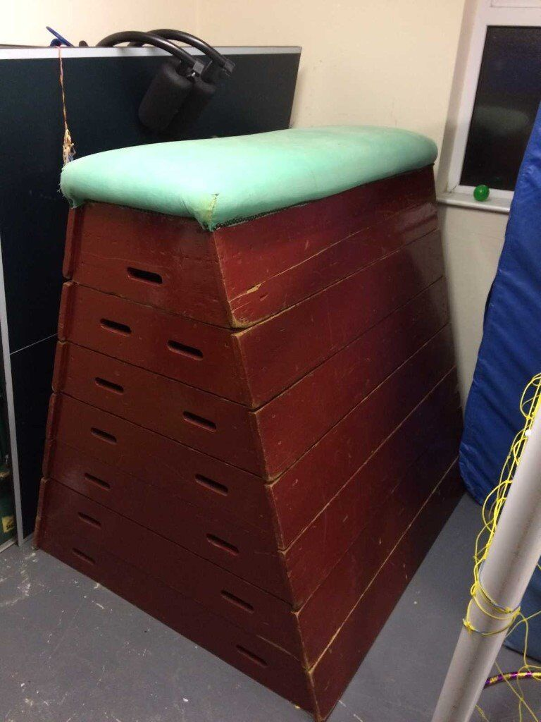 Vintage Old School Vaulting Horse Box / Pommel