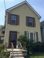 Beautifully Renovated 4 Bedroom House Close to Queen's!