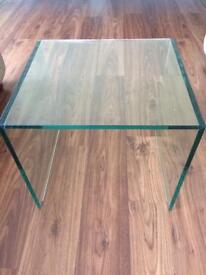 Glass modern dwell small side/lamp table