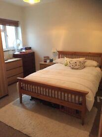 Leytonstone E11 - 2 Double Bedroom Ground Floor Garden Flat