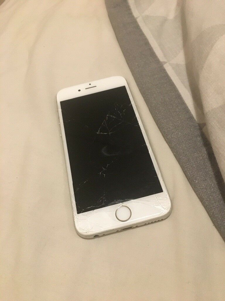 separation shoes bf62f be00f iPhone 6s cracked screen/broken camera FULLY WORKING | in Chester, Cheshire  | Gumtree