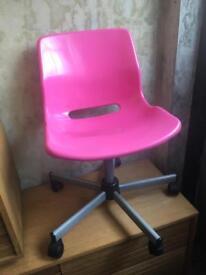 Girls pink chair