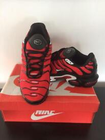 NIKE TNS RED SIZE 8 BRAND NEW BOXED