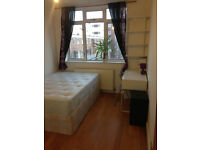 MILE END, ZONE 2, DOUBLE ROOM FOR A COUPLE OR 1 PERSON, ALL BILLS INCLUDED !!!