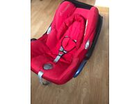 Immaculate Maxi cosi car seat, hardly used