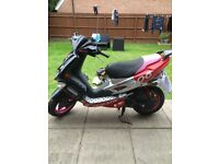 SPEEDFIGHT 50CC SPARES OR REPAIR BOTH KEYS AND LOGBOOK PINK WHEELS AND SEAT
