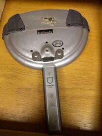 Halfords Heavy Duty Car Security Steering Lock & 2 x Keys ~ Made in UK
