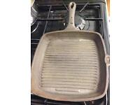 Cast iron griddle frying pan