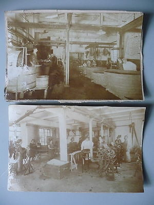 2 Orig. Fotos Arbeiter in Fabrik Gerberei? ca. 1900