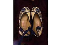 Embroidered Chinese slippers size 4.5