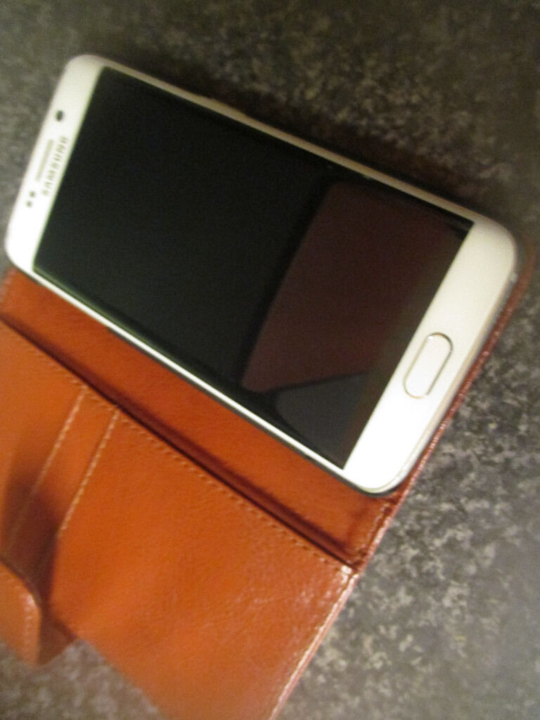 Samsung Galaxy S6 edge G925F 32GBWhite UnlockedImmaculate280in Shaw, ManchesterGumtree - Samsung Galaxy S6 edge G925F 32GB White Unlocked Immaculate condition complete with brand new Snakehive leather cover,also comes with original box,headphones,charger etc. Only up for grabs as I have decided to go back to HTC . CASH ON COLLECTION ONLY...