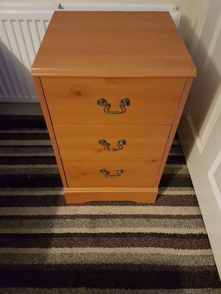 Bedside cabinet £7
