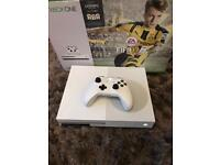 * LIKE NEW * XBOX ONE S 500GB + OFFICIAL WIRELESS CONTROLLER + 4 GAMES + BOX