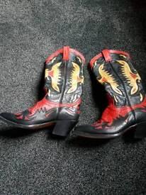 Ladies cowboy boots size 5