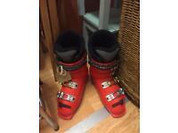Size 6 Solomon snow boots