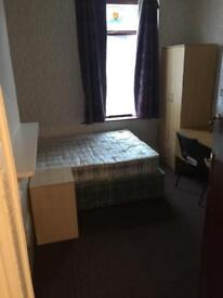 LARGE ROOMS TO LET ,ALL INCLUSIVE
