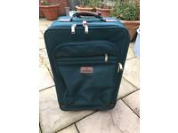 Lovely high quality voyager suite case £20