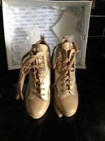 Guess shoes size 38/uk 5