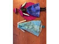 Frozen- Elsa and Anna's outfits