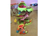 Excellent condition ELC happyland treehouse and accessories